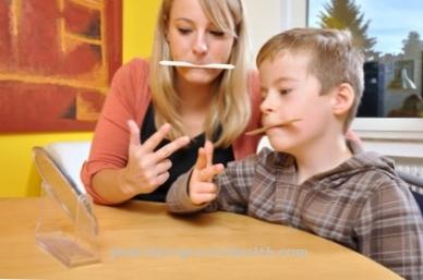 बच्चों में हकलाने का कारण और उपचार